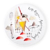 Paper plates for studio cafés